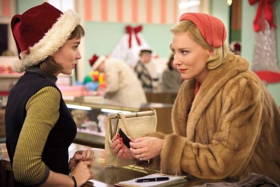 Un fotograma de la versión cinematográfica en la que Carol es interpretada por Cate Blanchett y Therese por Rooney Mara.